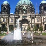 Também conhecida com a Catedral de Berlim. A catedral é lindíssima e aberta a visitação. Imperdível!