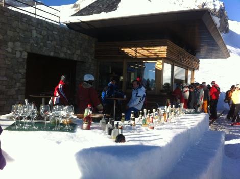 Ice bar no parque de esqui